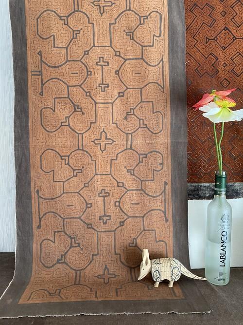 泥染め布中型 50x100cm タペストリー3 シピボ族の泥染め 先住民族の工芸 インテリア雑貨