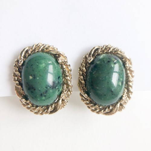 green cabochon earring[e-1211] ヴィンテージイヤリング