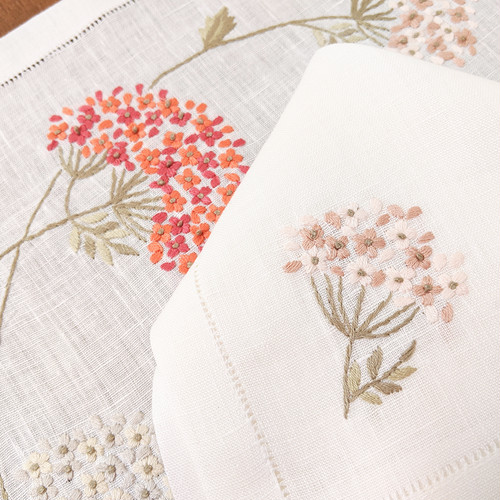 フラワー刺繍のランチョンマット&ナフキン セット