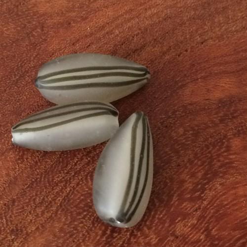 ガラスビーズ  ひまわりの種