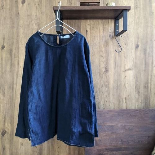 チェンマイ 濃紺な藍染めと刺し子のコットンブラウス Sサイズ