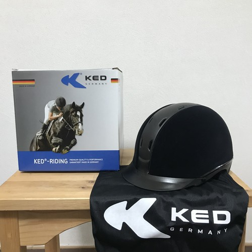 KED Tara 乗馬ヘルメット ブラック ベルベット