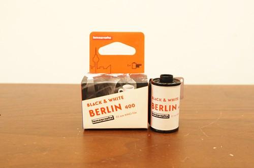 【 35mm モノクロネガ 】 Lomography ( ロモグラフィー ) Berlin Kino B&W  ISO400 2019 36枚撮り