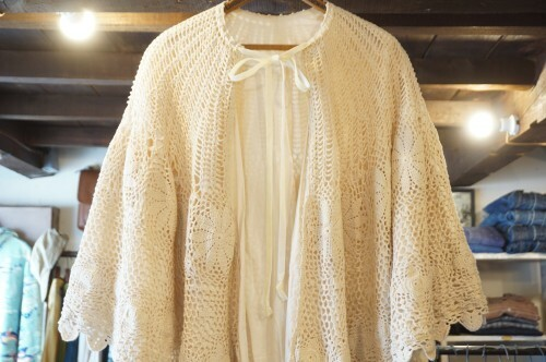 70's crochet lace Cape