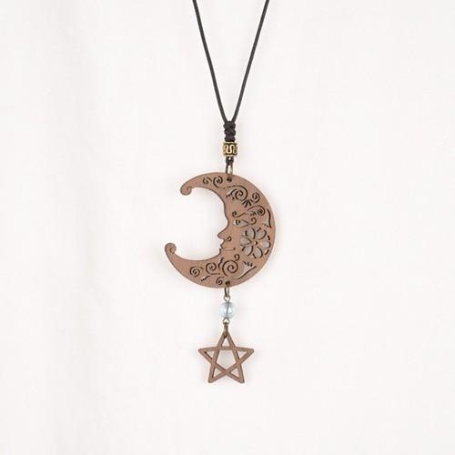 月と星のネックレス Juglansクルミの木のアクセサリー