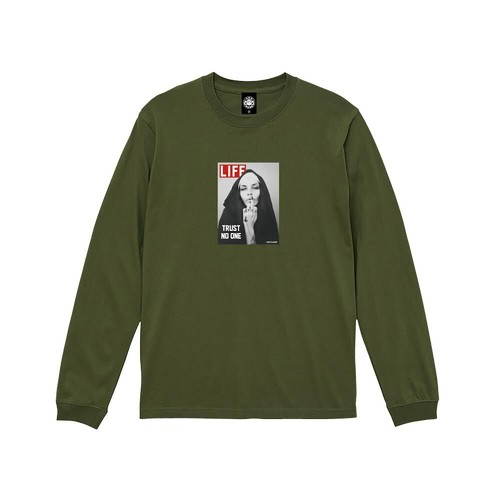 """ANDSUNS(アンドサンズ) """"TRUST NO ONE TEE"""" [OLIVE]"""