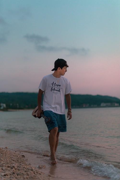 Hope Island Tシャツ