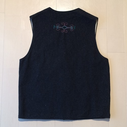 Embroidery wool vest / Large / Charcoal grey
