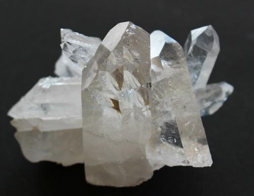 クラスター 水晶 60mm×100mm×70mm 190g