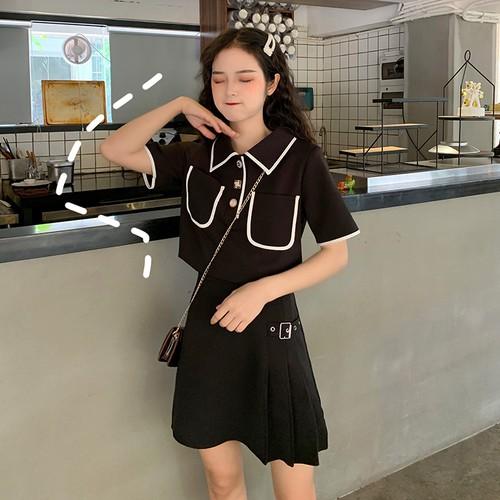 大きめポケットの半袖シャツ+スリムショートスカート