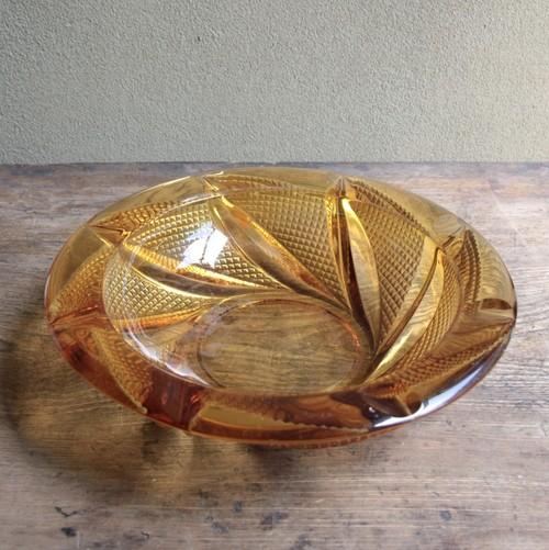 アンバーガラスのアッシュトレイ