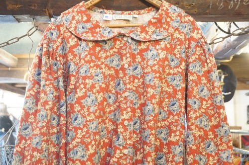 80's floral round collar country Blouse