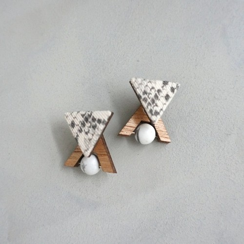 pierced earrings A-P11/earrings A-E11