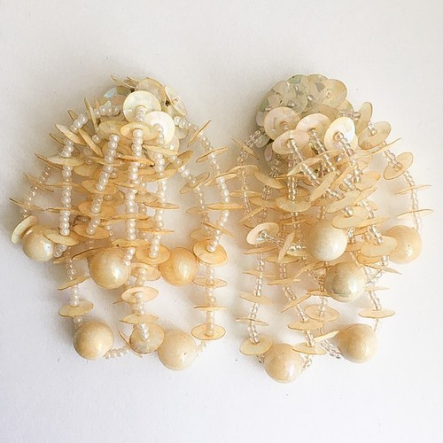cream sequin earring[e-745]
