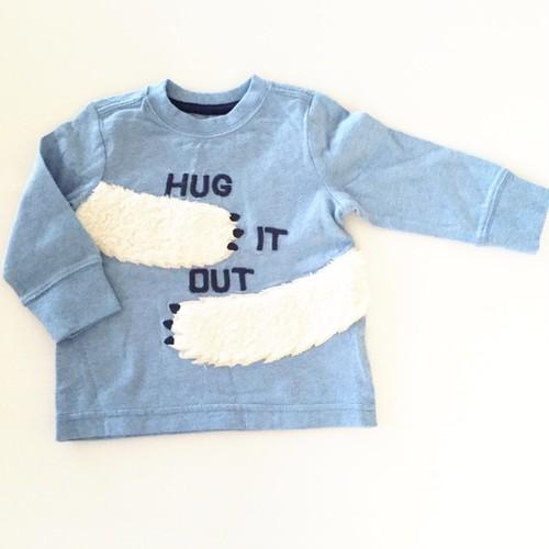hug ロングスリーブTシャツ