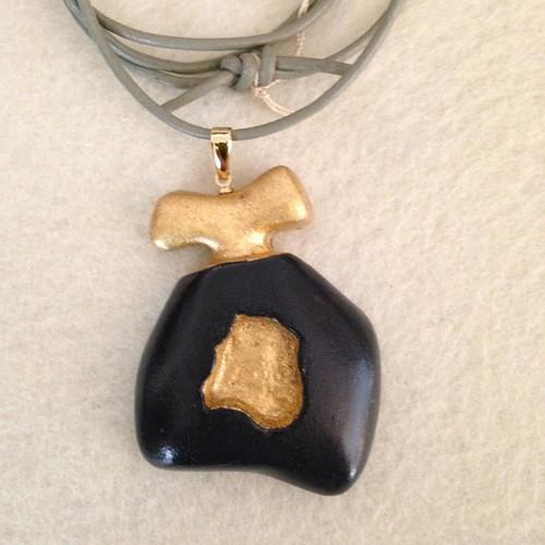 ネックレス デザインモチーフ/ゴールド+ブラック