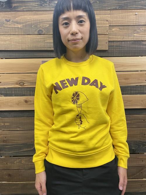 NEW DAY Sweat<Yellow>