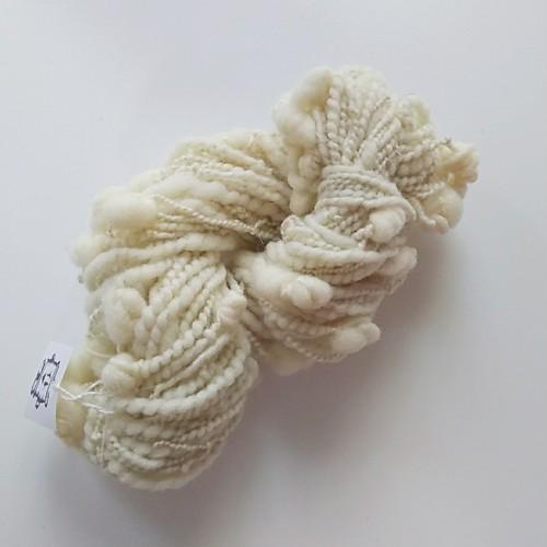 オリジナル手紡ぎ糸 生成りうぶつぶヤーン 約45g