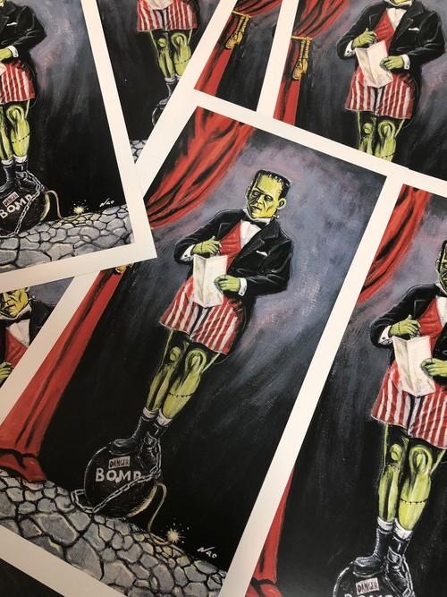 Prints:stretching room bomb
