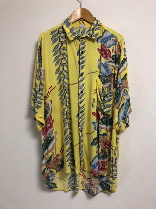 90's hawaiian shirt
