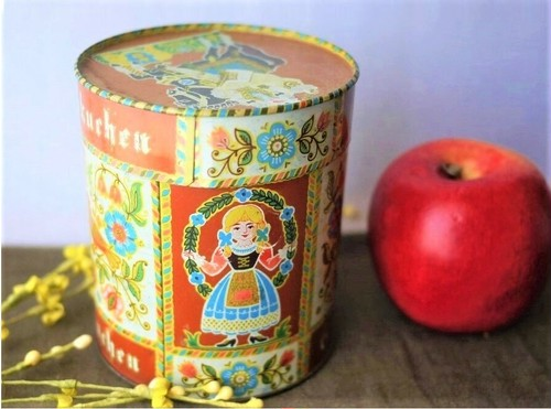 古いお菓子缶 ドイツ ヴィンテージレーブクーヘン クッキー缶 民族衣装チロル王様  スチール缶TIN缶