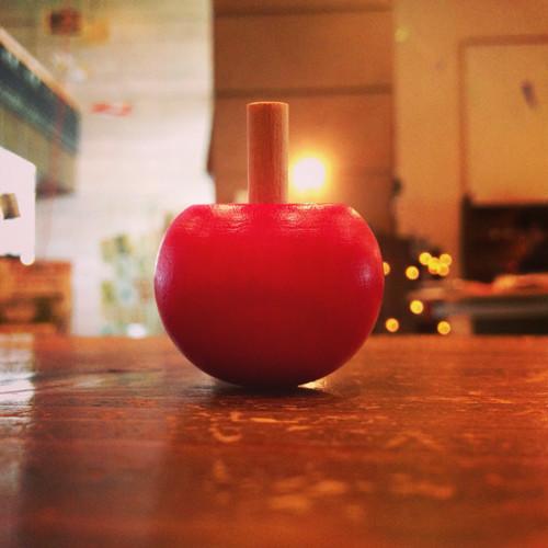 リンゴの形のコマ