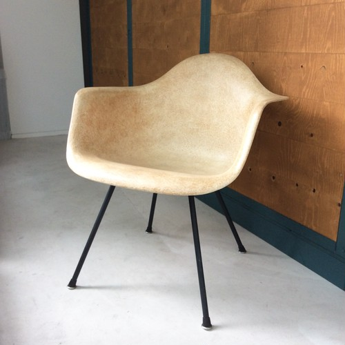 Vintage Eames Arm Shell Chair (MAX) 【Zenith / Herman Miller】