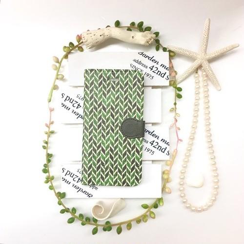 pajour(パジュール) 秋冬アイリッシュグリーンヘリンボーン柄 手帳型 ケース ビジュー無し(iPhone8対応)
