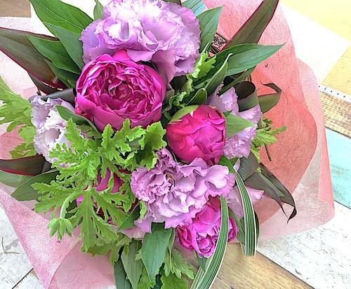 B0476) 季節のお花 / 芍薬(しゃくやく)の花束
