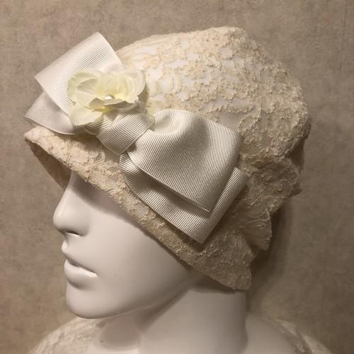 お花とパールのケア帽子 白系レース
