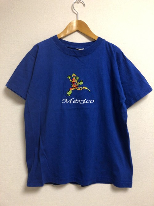2000's mexico embroidery T's