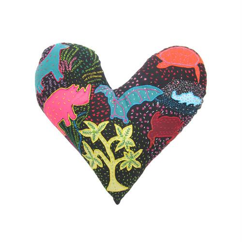 手刺繍のハートクッション 5 / Heart Cousion 5
