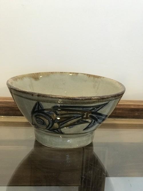 やちむん 次郎窯 陶芸城 魚紋 薄いブルーの魚紋 小マカイ(小さめお茶碗)