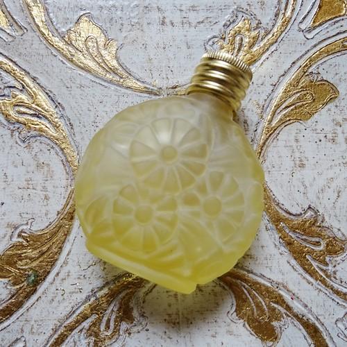 チェコスロバキア ボヘミアガラス デイジーのパフュームボトル / レモンイエロー(マット)