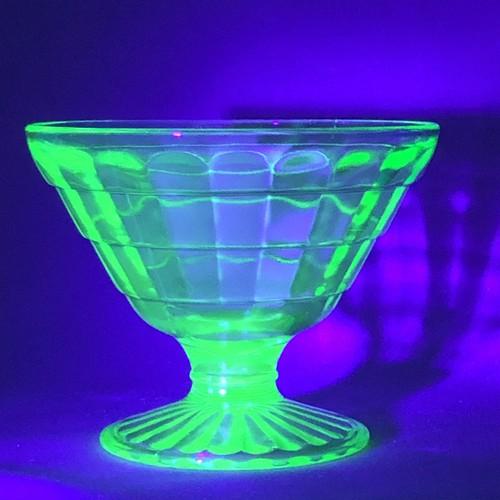 【再入荷】ディプレッションガラス  ウランガラス シャーベットグラス グリーン ホッキング社