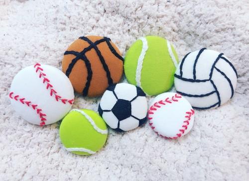 手刺繍の球技ポニー(小)
