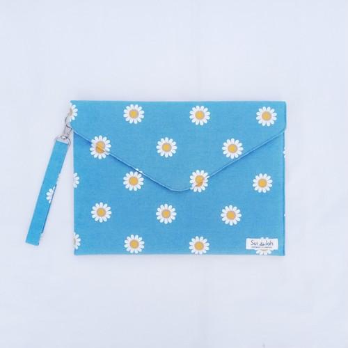 【デイジー花柄】封筒型クラッチバッグ M(ストラップ付)/PCケースにも♪