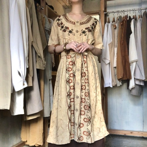 Embroidery pullover dress