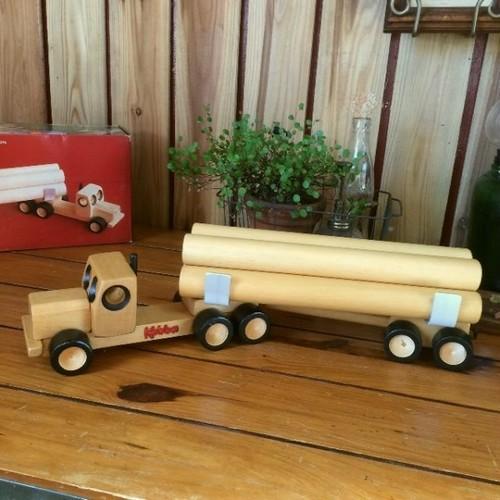 ニュージーランドKobba*ウッド木製おもちゃ*ログトラック運搬車