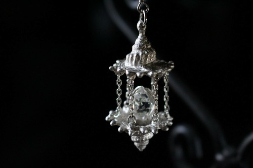 Light in the Labyrinth - Earring