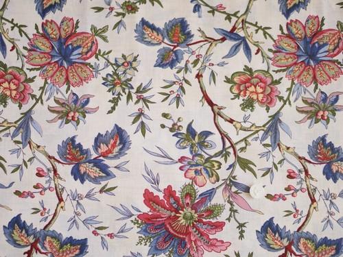 Moda Elinore's Endeavor 1830-1910 オフホワイト(ごく薄いベージュ)地に大きな花柄