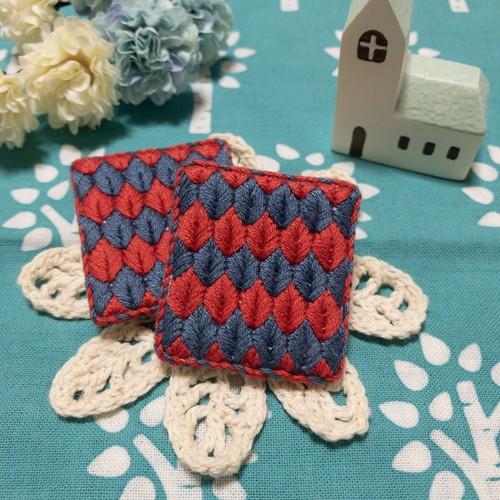 刺繍 ブローチ リーフ 赤青