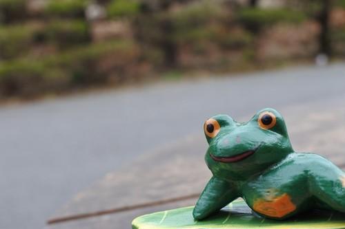 木彫りの動物 カレンダー カエル