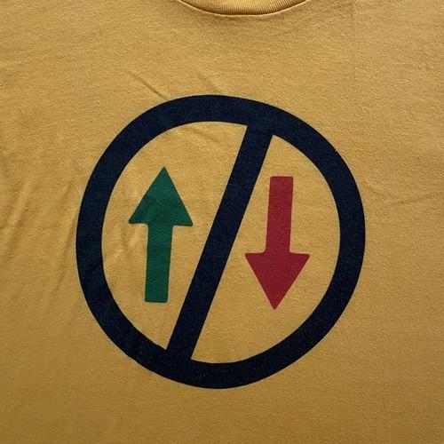 yellow arrow print tee (V0378M)