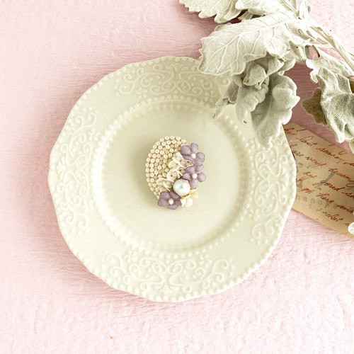 """Brooch : ブローチ """" Embroidery and flower brooch. """" 