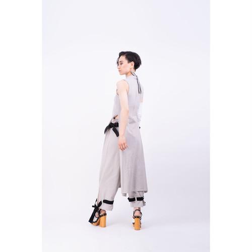 【受注予約 4/16〜】ハイウエストなスリットパンツ