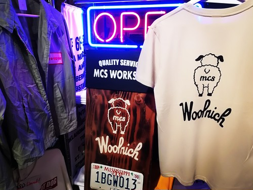 [2019]MCS WORKS co.「tony the dog #2」半袖Tシャツ