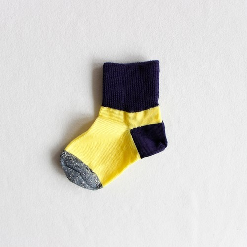 《suis moi》3 tone short socks / yellow × black / 2Y