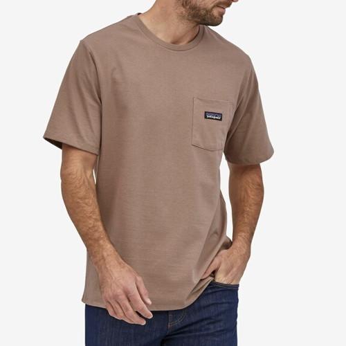 パタゴニア PATAGONIA Tシャツ 半袖 メンズ P-6ラベル  ポケット レスポンシビリティー 37406 PAMPAS TAN【正規取扱店】