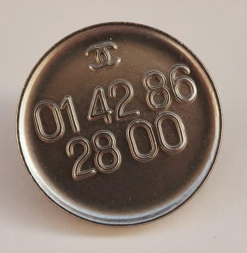 CHANEL VINTAGE(シャネル ヴィンテージ)テレフォンナンバー デザイン  ボタン シルバー 628